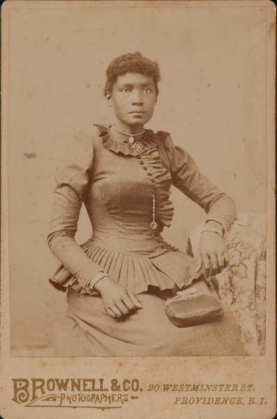 Cabinet Card Arfrican American Woman, Brownell & Co Studio Providence Rhode Island