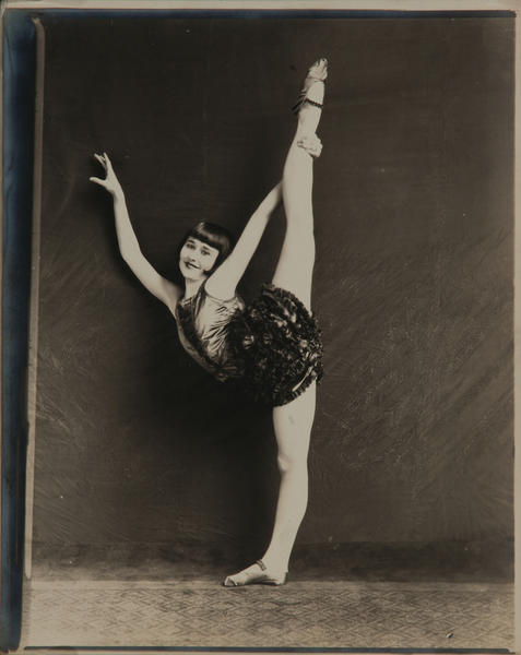 Acrobat-Dancer-Circus Performer Vera Christy Original Contact Photo, b
