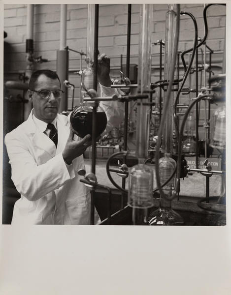 Dupont corporate communication photograph, Chemical Lab 1