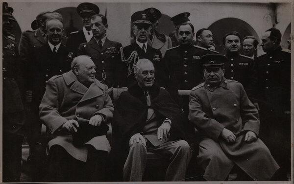 Yalta The big 3 Churchill, FD Rossevelt, Stalin Original Conference Photo