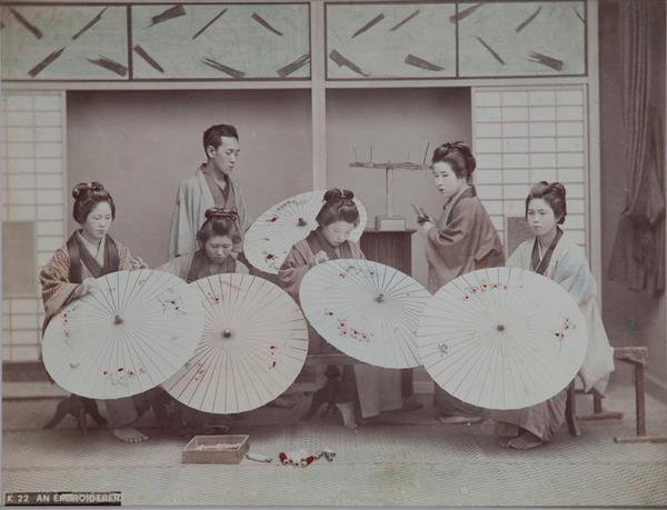Meiji Era Hand Colored Japanese Albumen Photograph K22 An Embroiderer